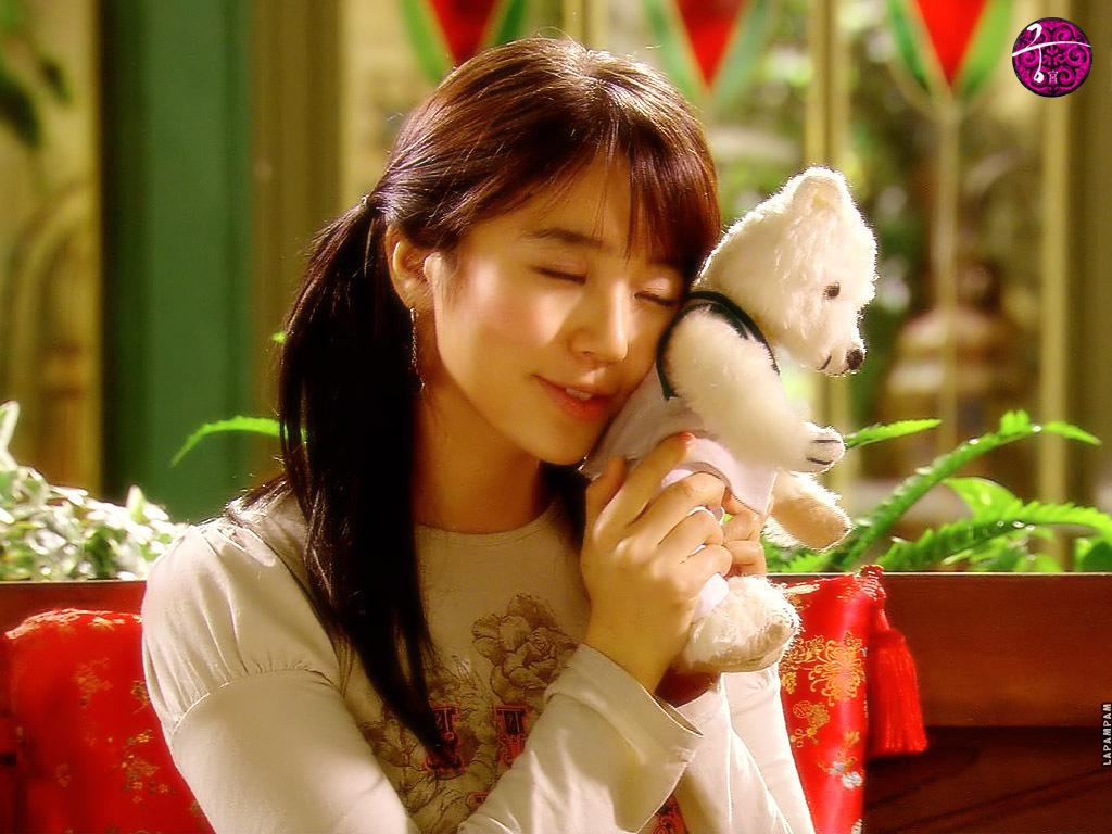 Yoon-Eun-Hye-as-Shin-Chae-Kyung-princess-hours-21827965-1024-768