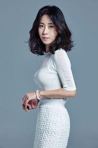 kim-hee-jung-actress-born-1970-1efc47d3-8670-4efd-9c1d-01831fd99d6-resize-750
